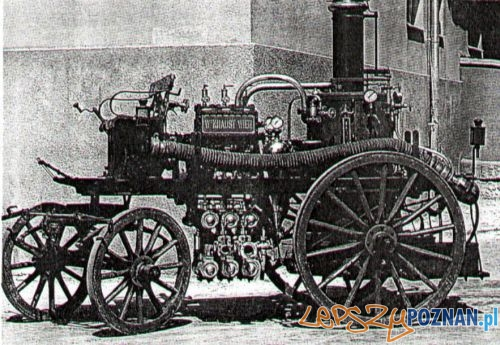 Sikawka o napędzie parowym na podwoziu do zaprzęgu konnego, typ jaki poznańska straż otrzymała w 1890 r Foto: PSP w Poznaniu