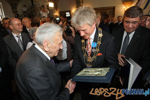 Tadeusz Mazowiecki honorowym obywatelem miasta Poznania Foto: UM Poznania