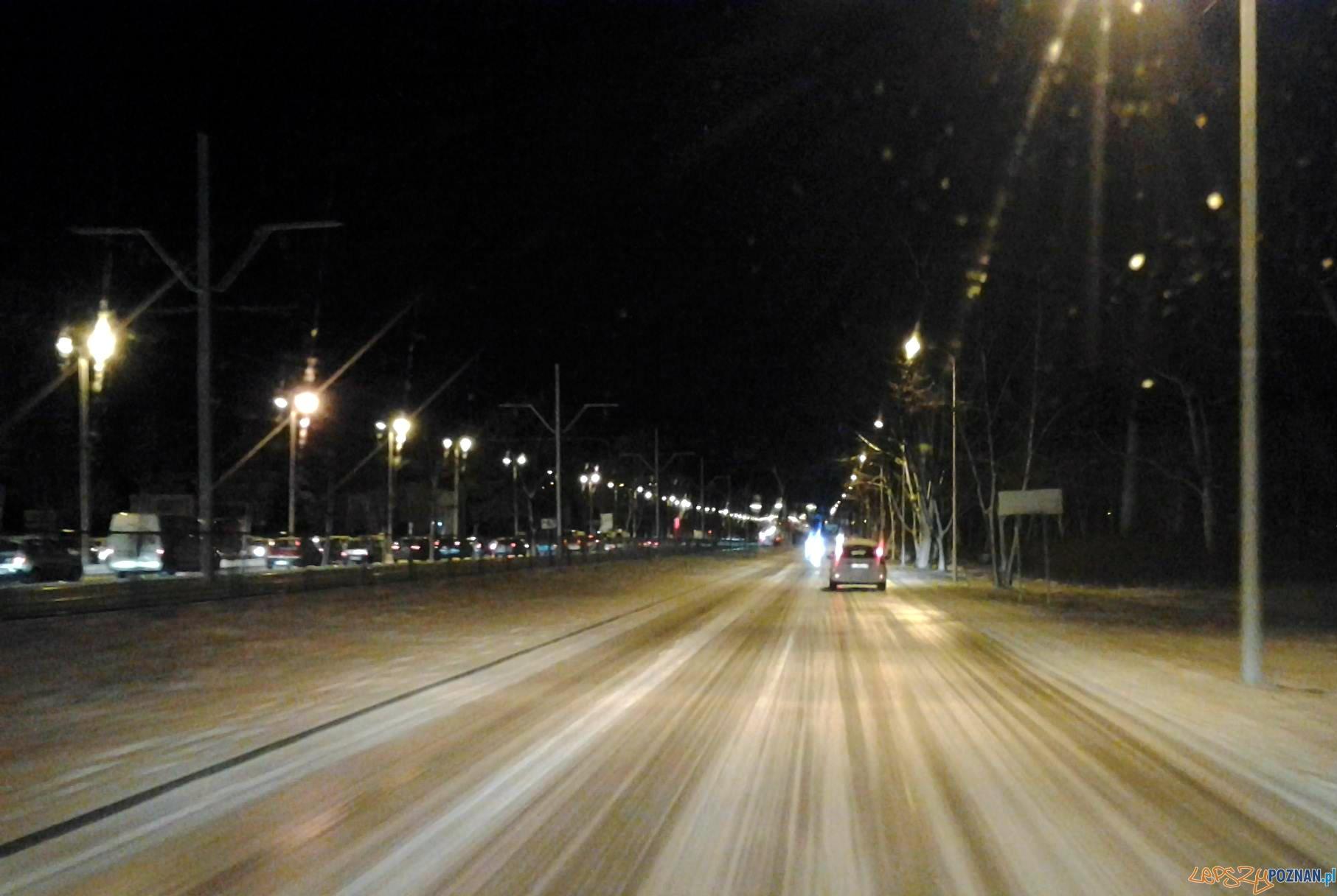 Śliskie ulice w Poznaniu  Foto: lepszyPOZNAN.pl / tab 10.1