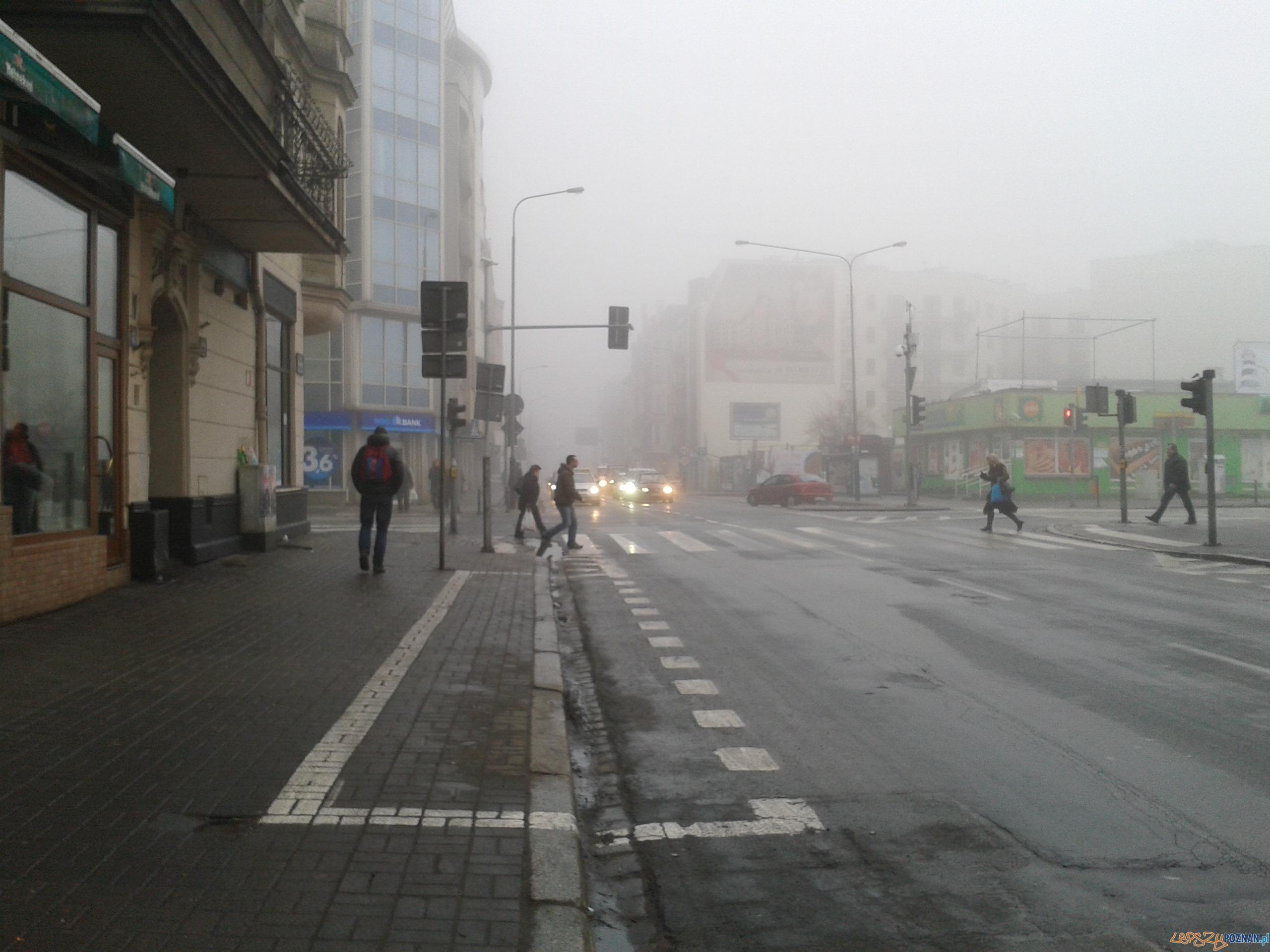 Poranna mgła - Garbary  Foto: lepszyPOZNAN.pl / gsm