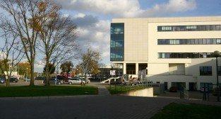 Budynek Mechatroniki i Nanoiżynierii.
