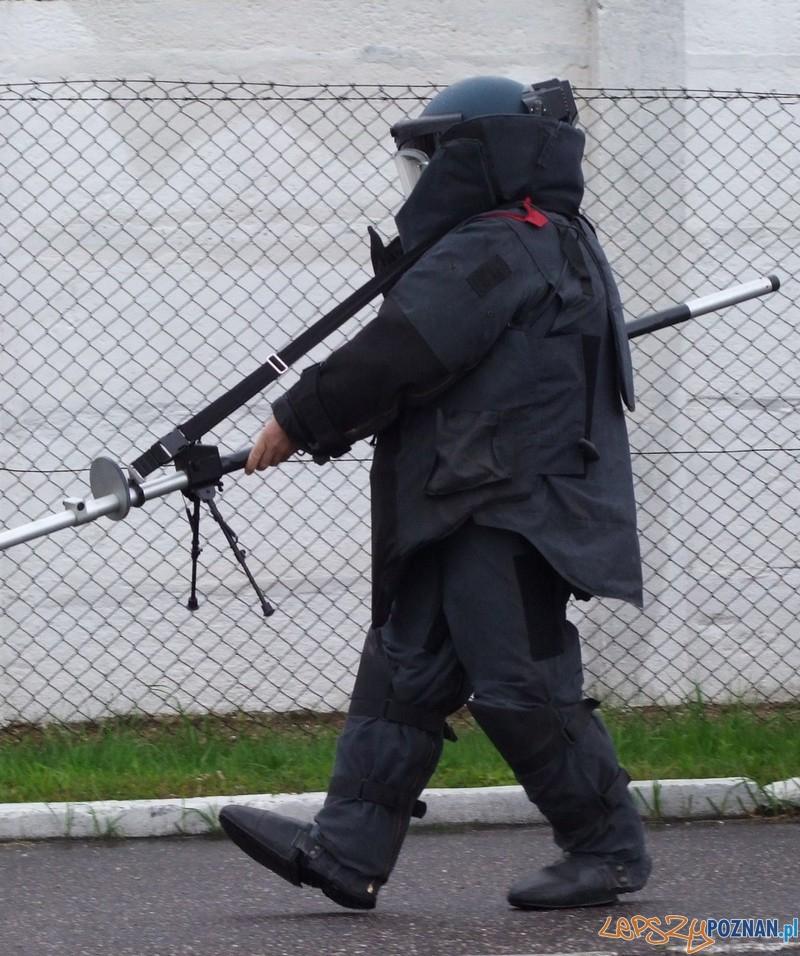 Policyjny pirotechnik  Foto: KMP