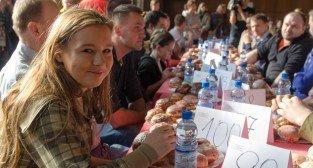 X  Mistrzostwa Poznania w jedzeniu pączków na czas