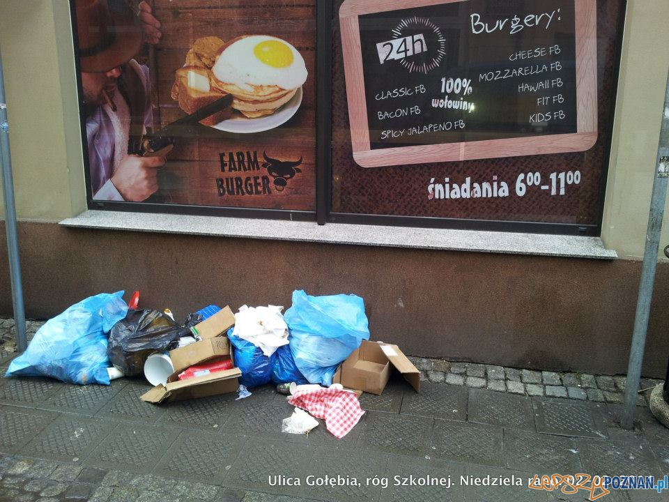 niedzielny poranek na skrzyżowaniu Gołębiej i Szkolnej  Foto: facebook / Ulica Wrocławska - Poznań
