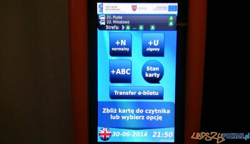 Czytnik kart PEKA - ostatnie godziny przed uruchomieniem systemu  Foto: lepszyPOZNAN.pl / tab