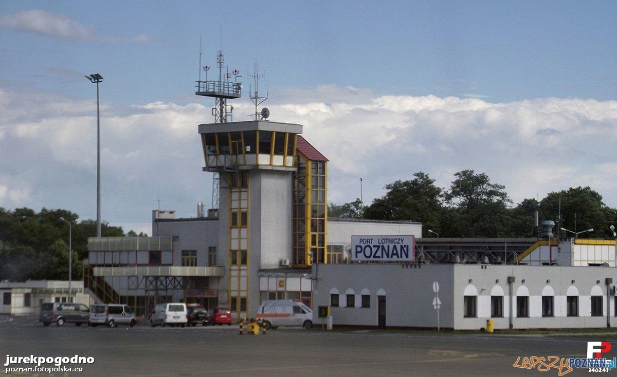 Stary port lotniczy na Ławicy Foto: fotopolska
