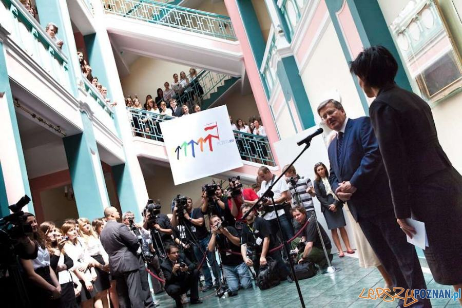 Prezydent Komorowski w II LO w Poznaniu Foto: Piotr Molęcki/ KPRP