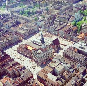 Stary Rynek z lotu ptaka 1977-78 Foto: Archiwum MTP