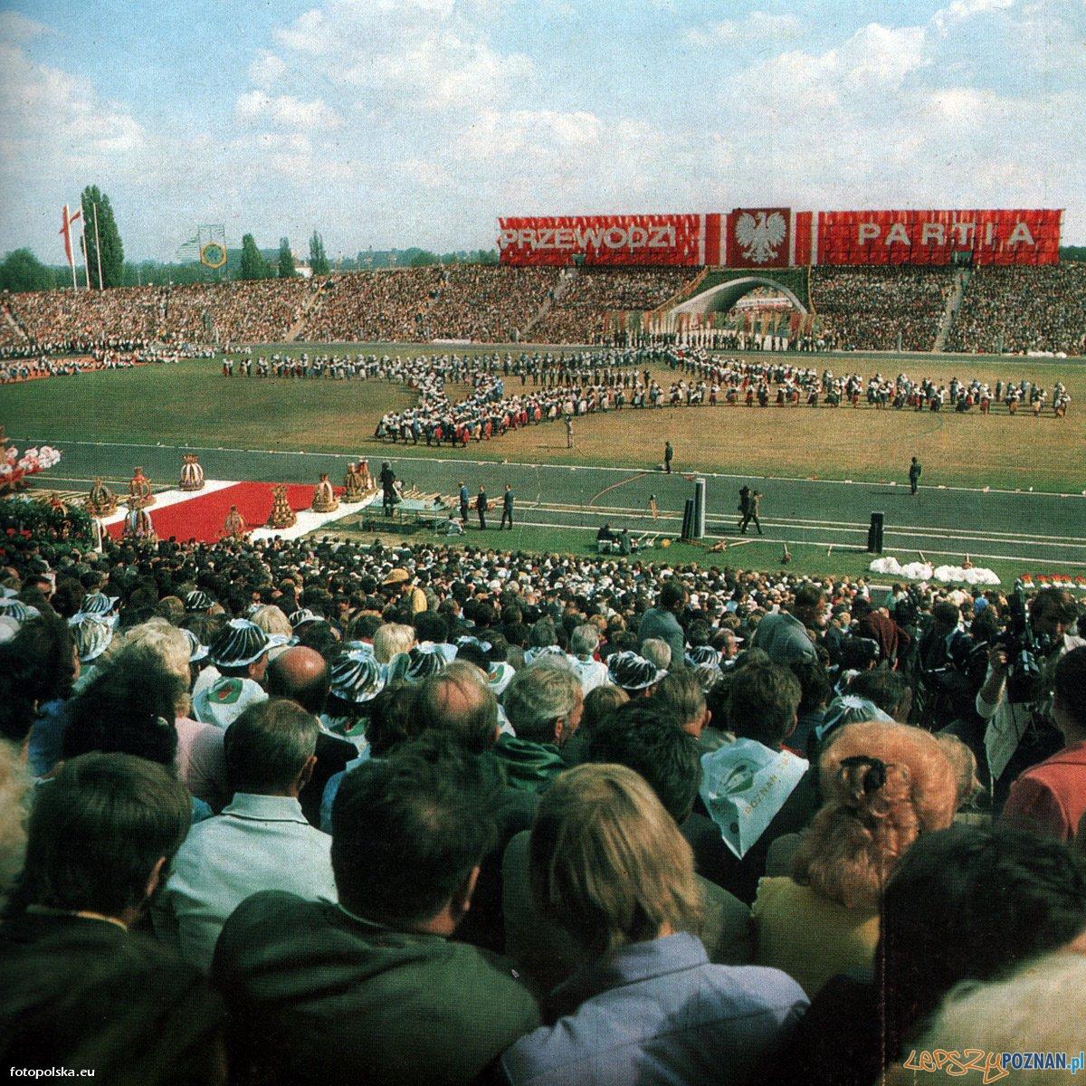 Centralne Dożynki na Stadionie 22 Lipca (8 września 1974) Foto: fotopolska