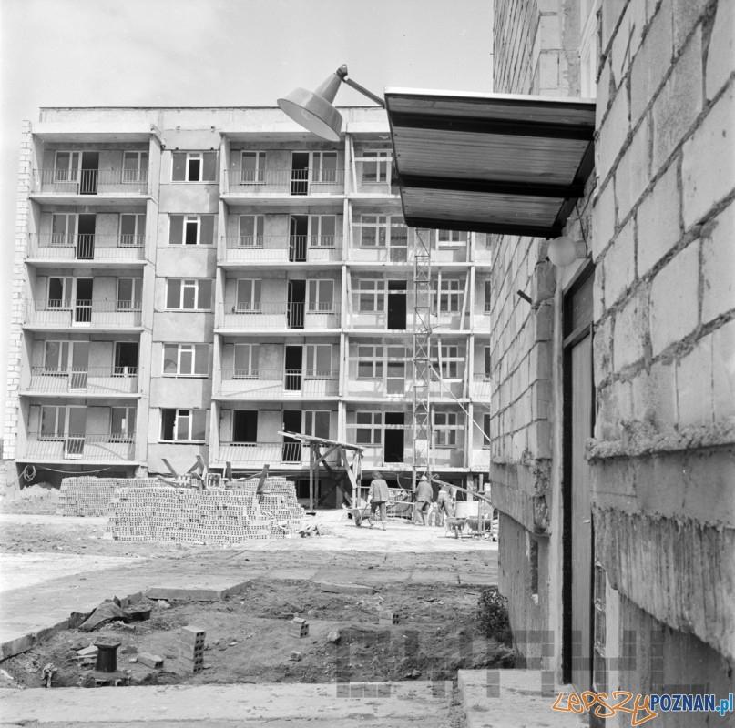 Budowa osiedli na Ratajach 05.07.1974 Foto: Stanisław Wiktor/Cyryl