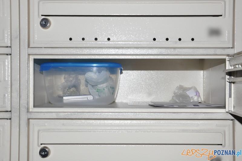 Narkotyki w skrzynce  Foto: KMP
