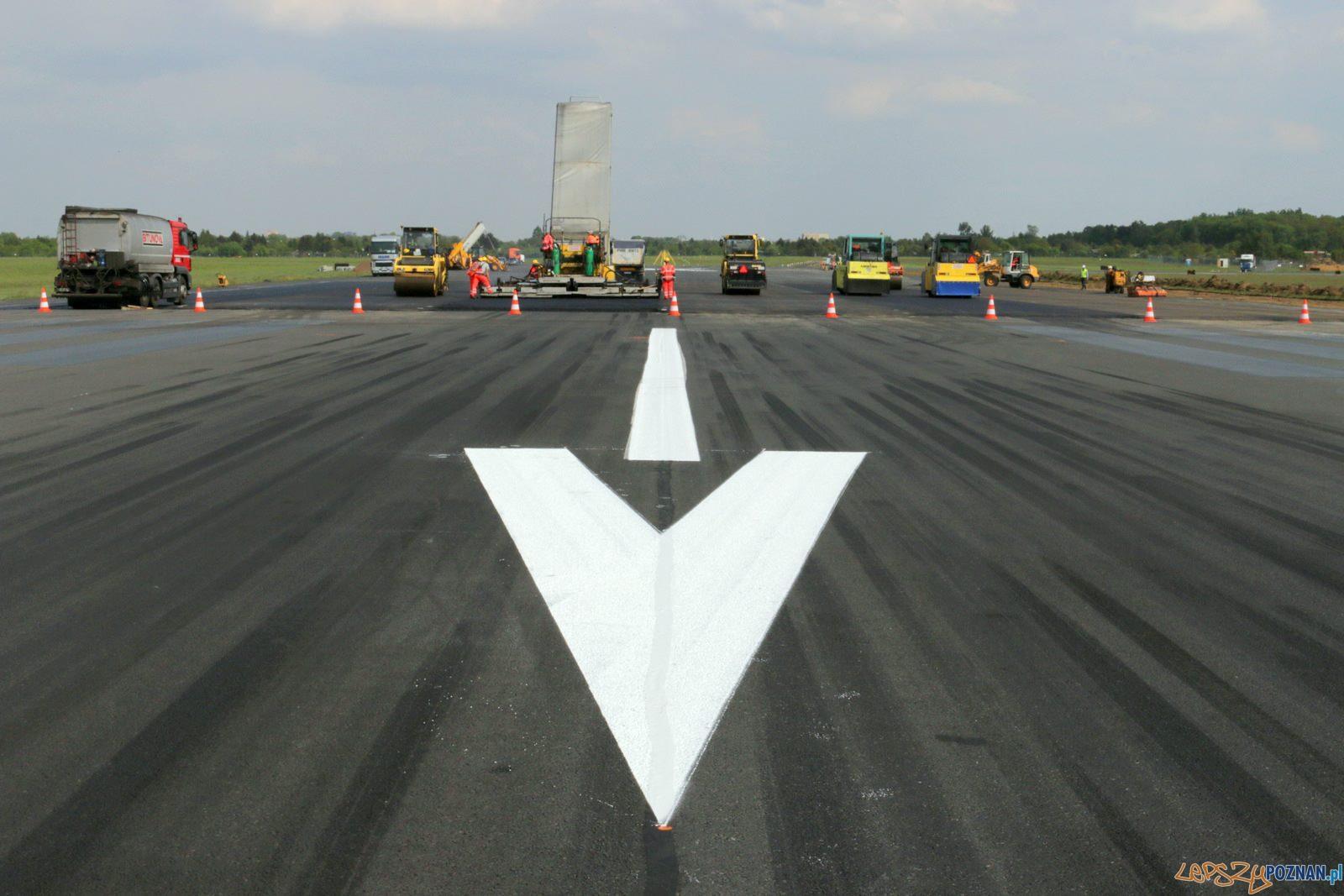 Remont pasa startowego na Ławicy