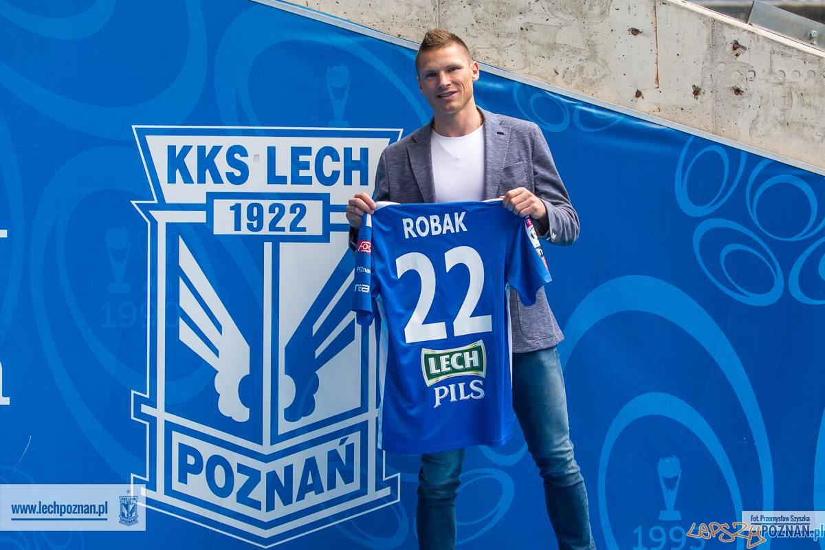 Marcin Robak nowym zawodnikiem Kolejorza  Foto: KKS LECH / Przemysław Szyszka