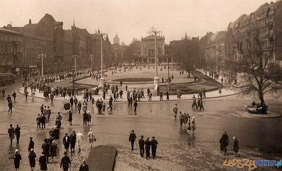 Plac Wolnosci okres miedzywojenny  Foto: