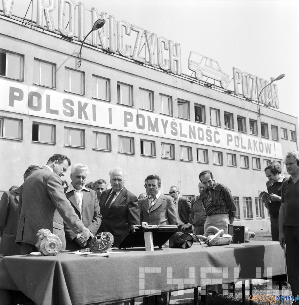 Wizyta delegacji Komitetu Wojewódzkiego Komunistycznej Partii Czechosłowacji z Brna w Fabryce Samochodów Rolniczych Polmo 07.08.1979