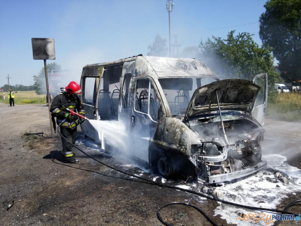 Płonący samochód  Foto: PSP w Poznaniu