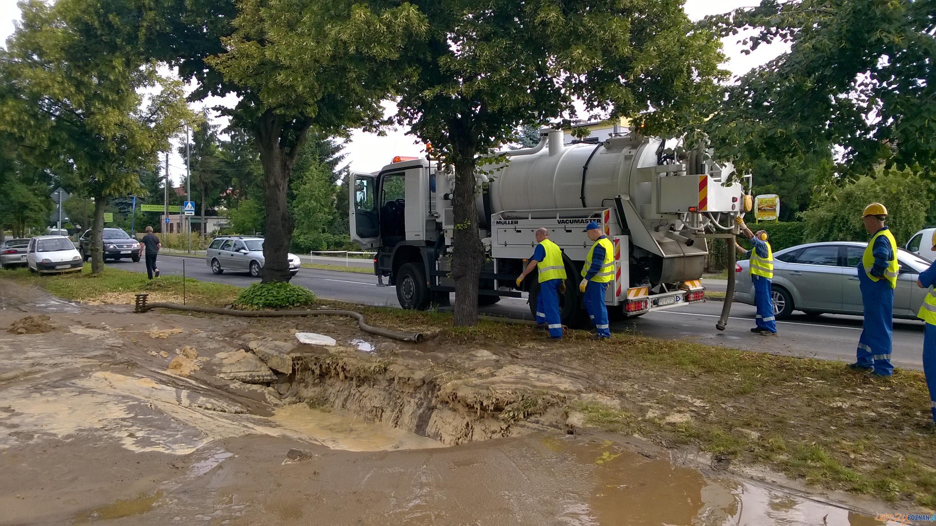 Awaria wodociągowa na Strzeszynie  Foto: Aquanet