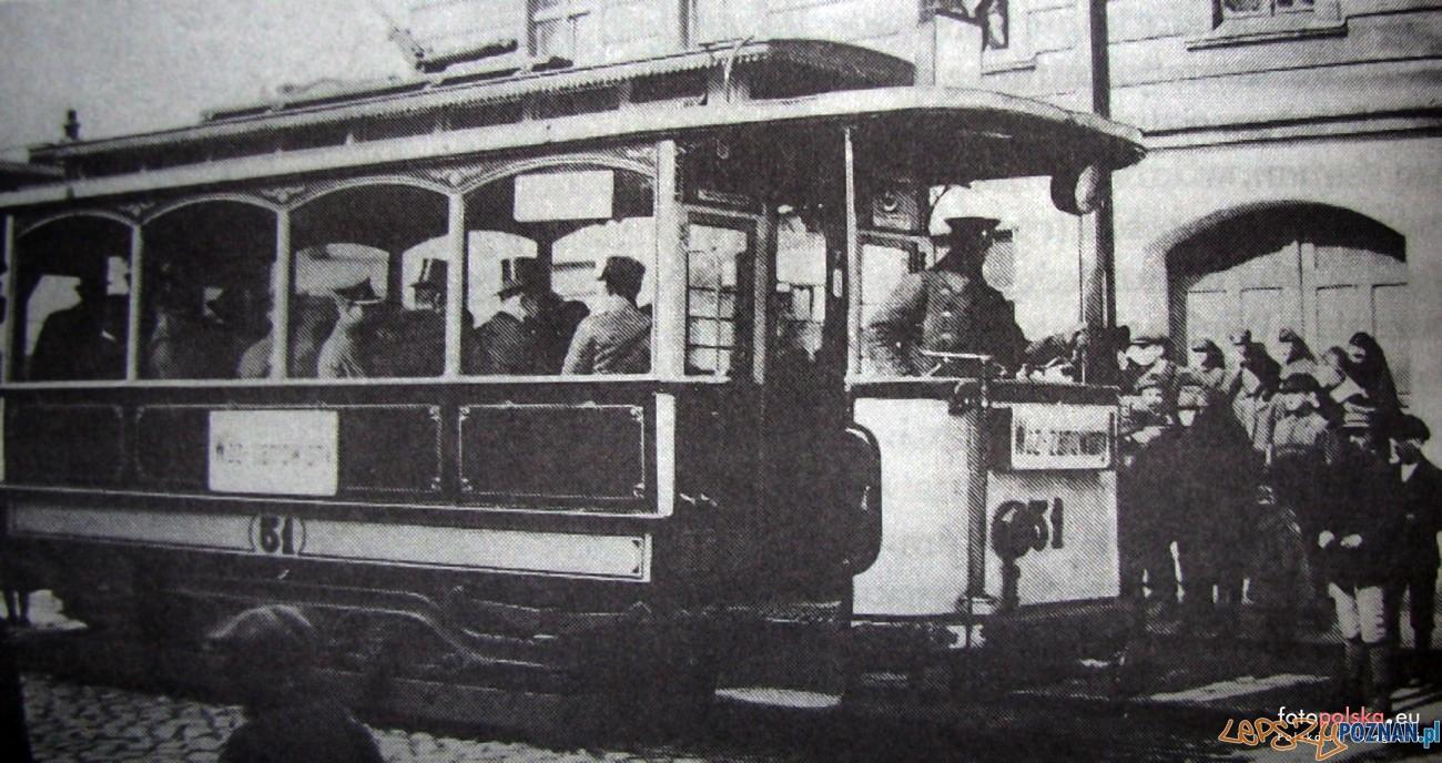 29 marca 1921 , Końcowy przystanek tramwajowy na ul.Głogowskiej . Znajdował się miedzy ulicami Kosynierską,a Górczyńską.