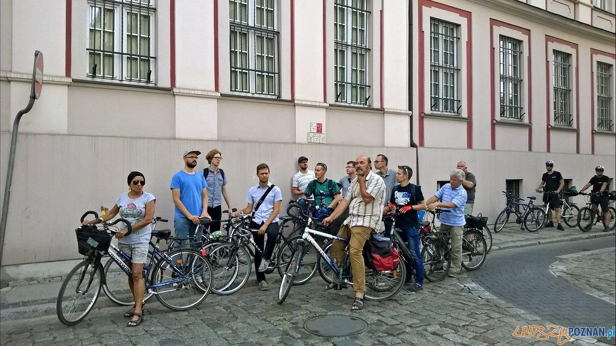 Patrol rowerowy na Starym Mieście  Foto: