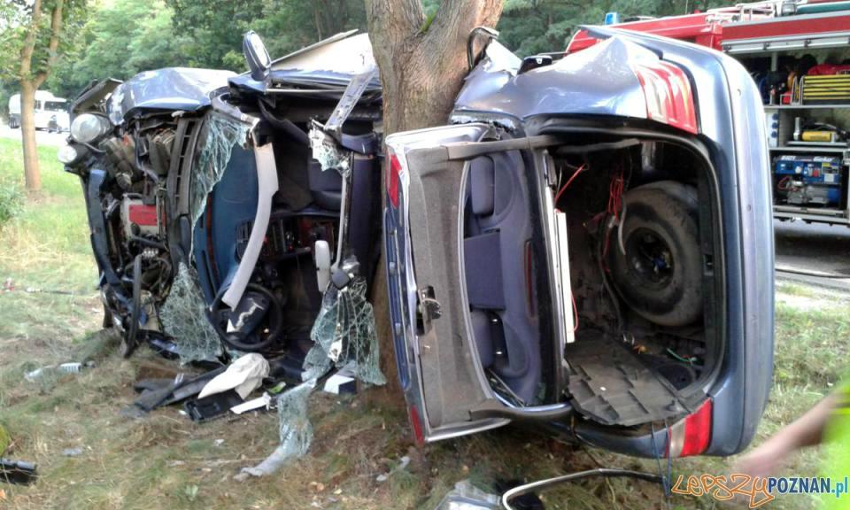 Groźny wypadek w Sierosławiu  Foto: PSP w Poznaniu