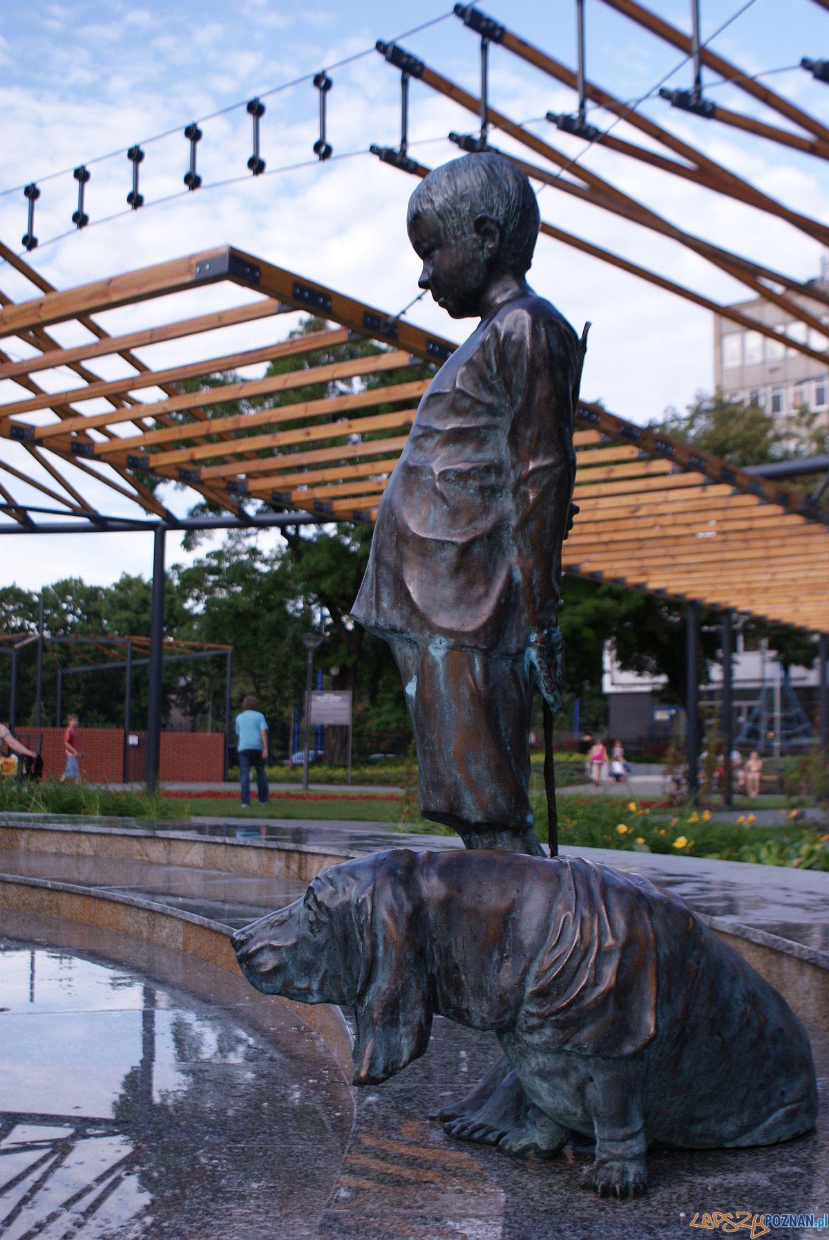 Rzeźba w fontannie w Zielonych Ogródkach  Foto: http://www.park-m.pl