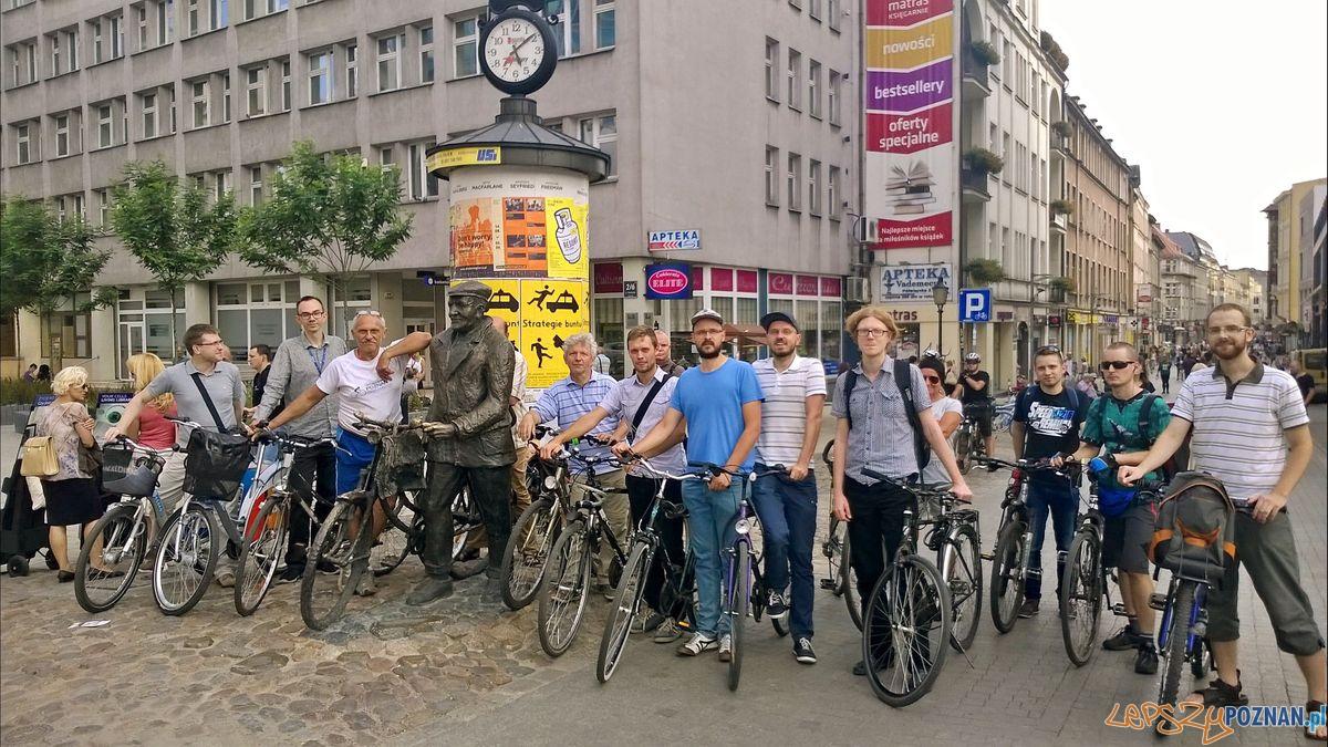 Patrol rowerowy Rady Osiedla Stare Miasto (1)  Foto: