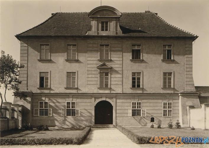 Archiwum Archidiecezjalne w budynku Akademii Lubrańskiego - przed wojna