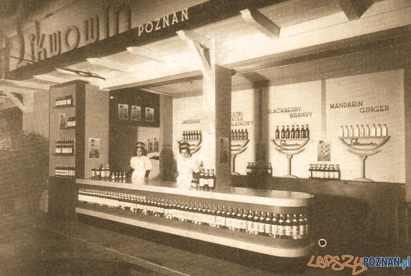 Stoisko Likwowinu na Pewuce (1929)  Foto: likwowin.pl