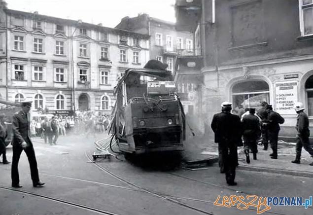 Wypdek tramwaju na Wildzie  Foto: Przemysław Adamski / lazarz.pl