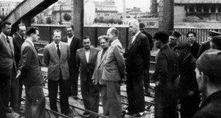 Prof. Ballendstaed podczas prac związanych z odbudową Mostu Rocha