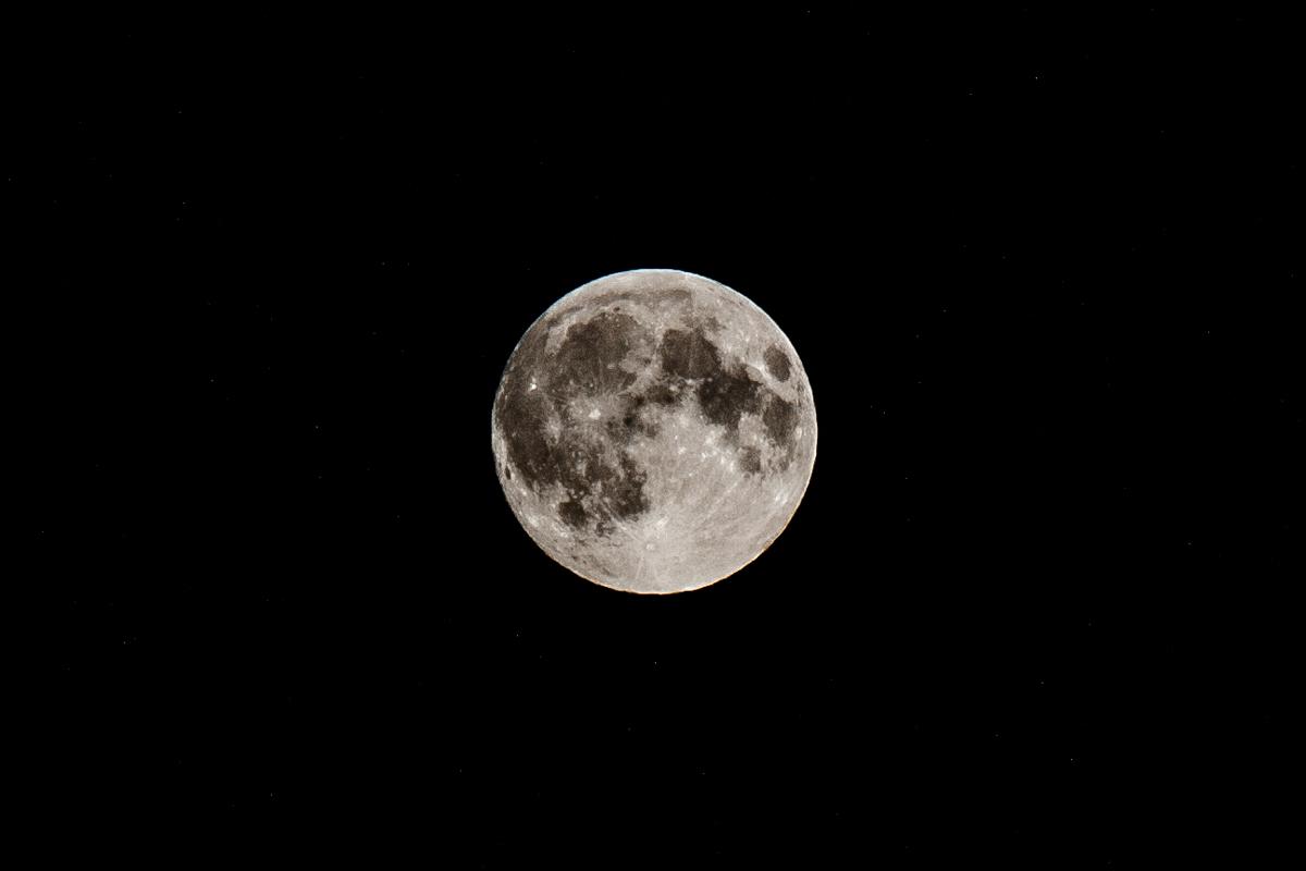 Księżyc (27.09.2015)  Foto: © lepszyPOZNAN.pl / Karolina Kiraga