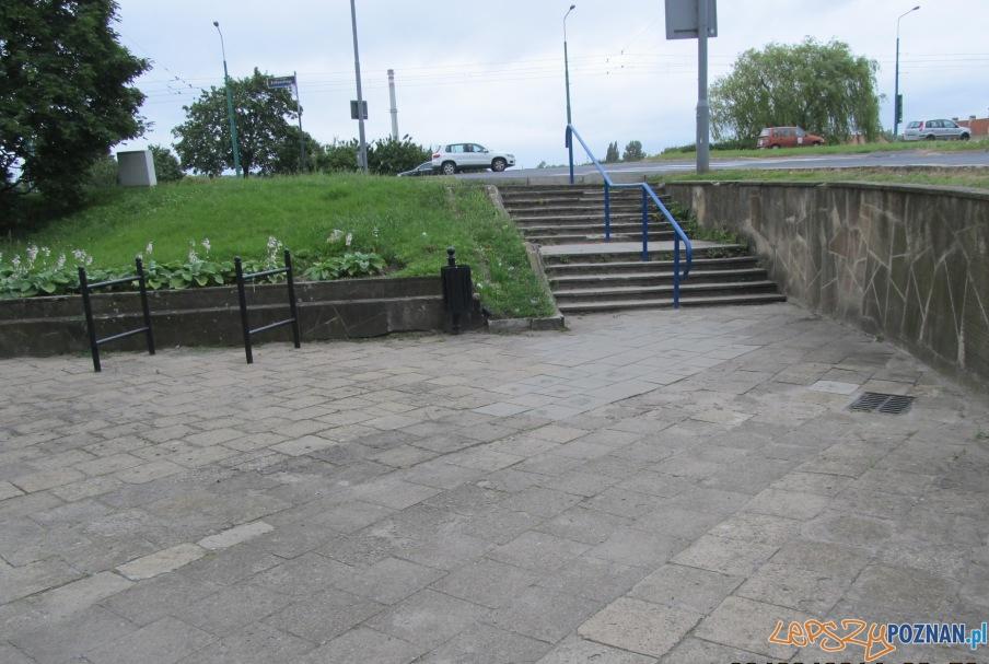Nowe schody i ułatwienia dla niepełnosprawnych