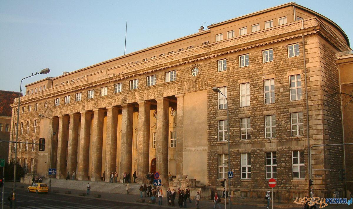 Budynek główny Uniwersytetu Ekonomicznego (2006)