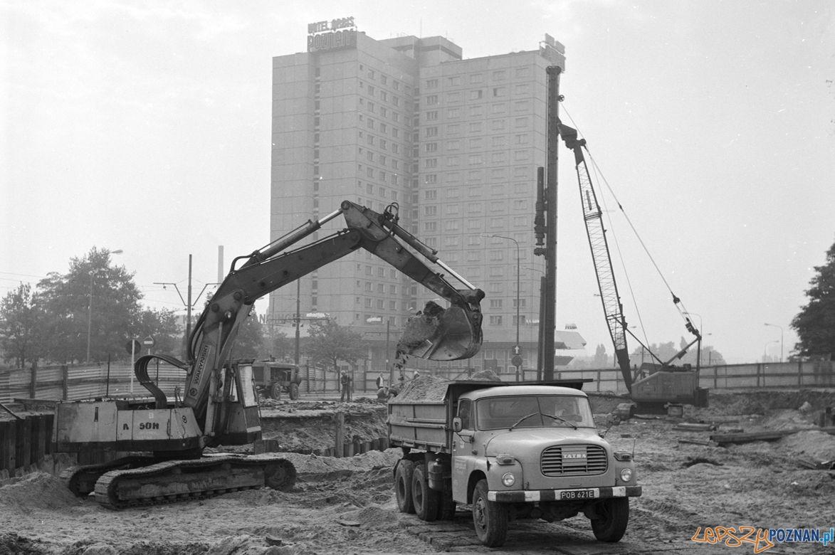Przebudowa ul. Towarowej i budowa przejścia podziemnego przy Dworcu PKS 1979