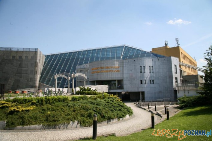 Centrum Stomatologii UM