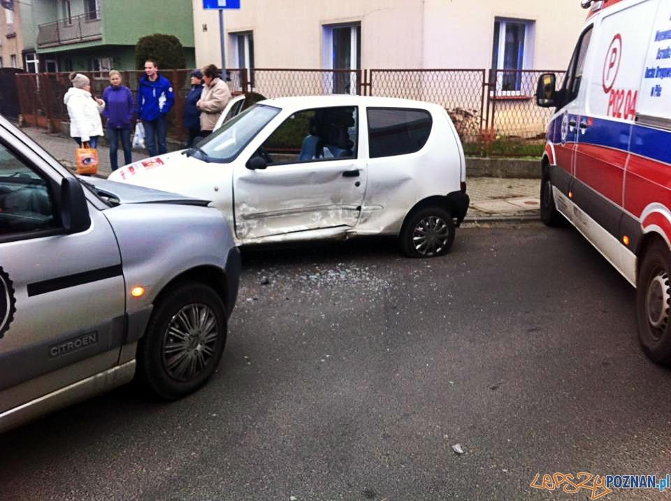 Wypadek na os. Warszawskim  Foto: Pomoc Drogowa EuroHol