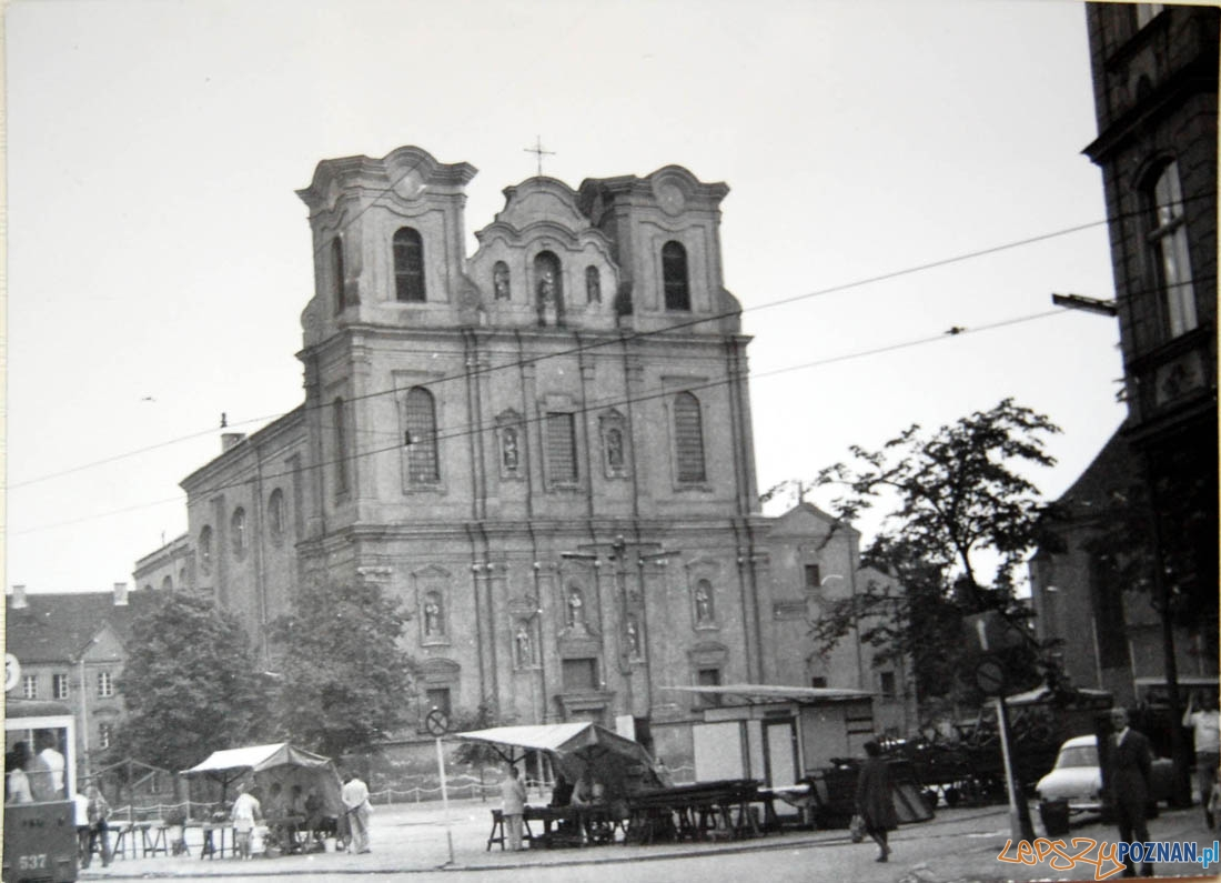 Plac Bernardyński 1974 - Kościół Franciszkanów