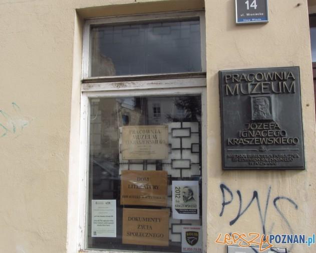 Kamienica przy ulicy Wronieckiej 14 mieści się niej pracownia muzeum Józefa Ignacego Kraszewskiego