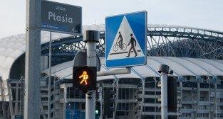Przejście dla pieszych przy Inea Stadionie