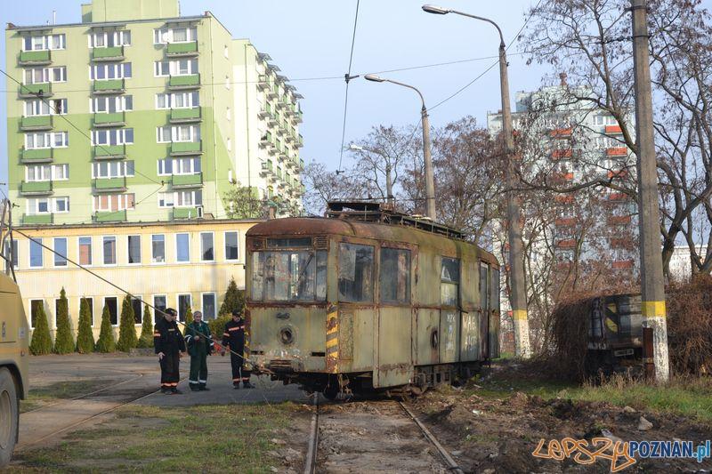 Historyczny wagon w zajezdni na Głogowskiej