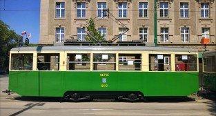 """Tramwaj typ """"N"""" na Dąbrowskiego - linia turystyczna 2015"""