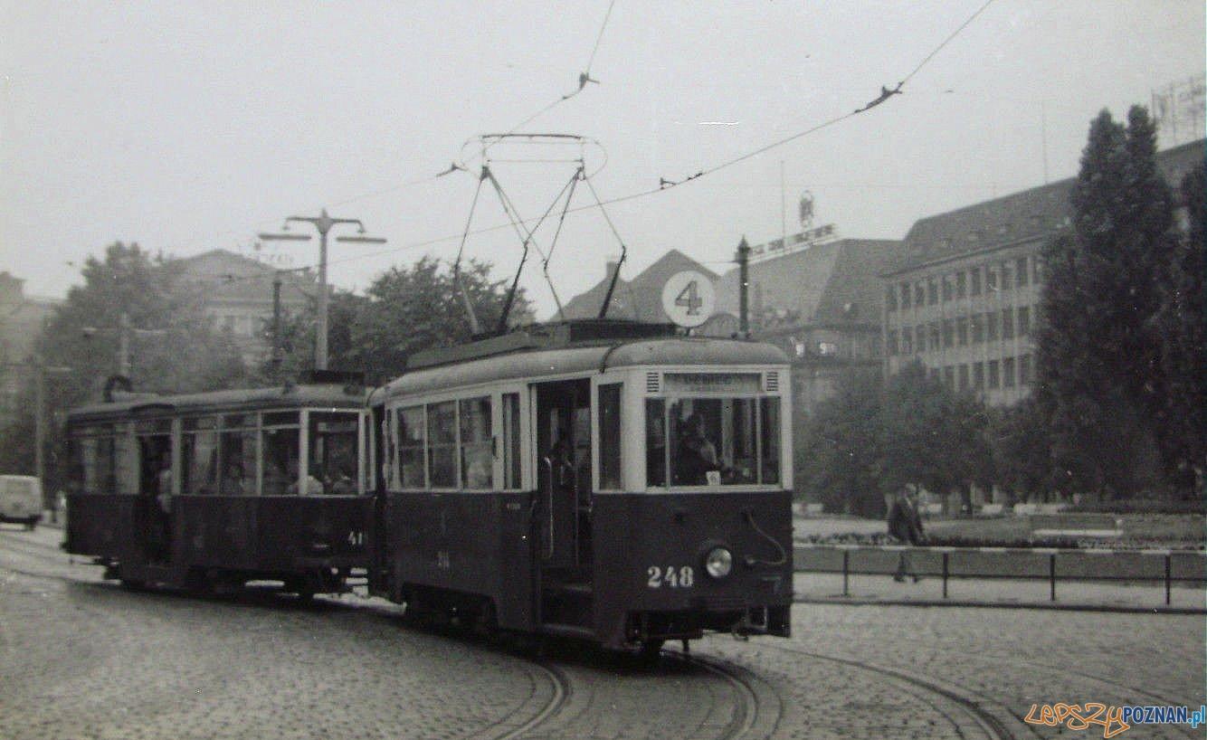 Tramwaj pl Wolnosci - 1960-61  Foto: MPK