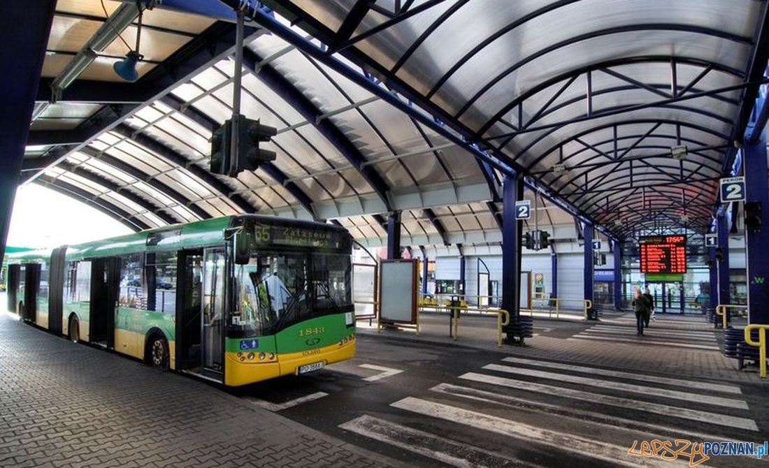 Dworzec-autobusowy-na-Ratajach  Foto: