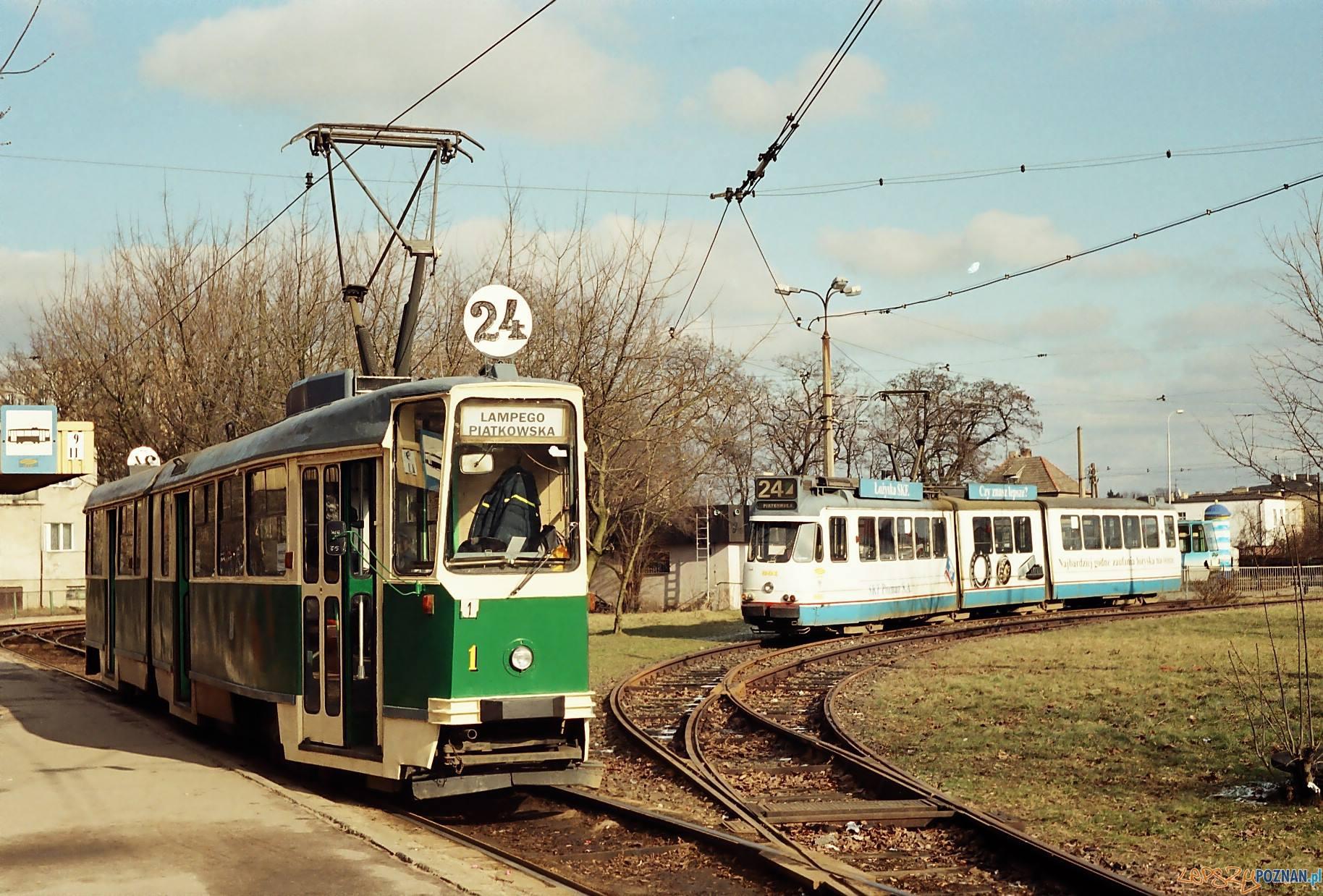 Linia 24 - pętla Piątkowska  Foto: KMPS