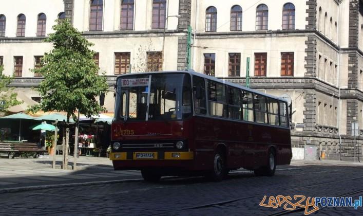 Zabytkowy Ikarus na Placu Wielkopolskim Foto: TMPS