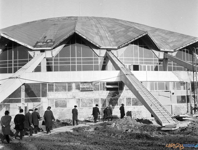Delegacja z Charkowa wizytuje budowę Areny 27.02.1974