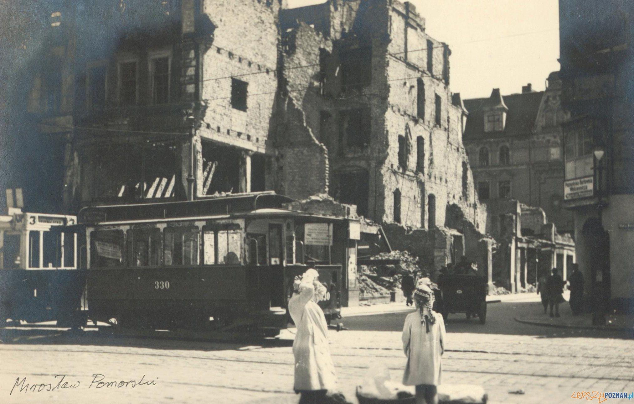 Stary Rynek róg Wrocławskiej - czerwiec 1946