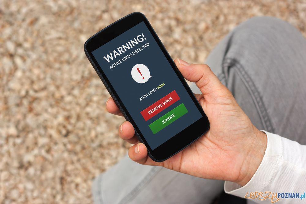 Jak chronić smartfona  Foto: serwersms.pl / informacje prasowe
