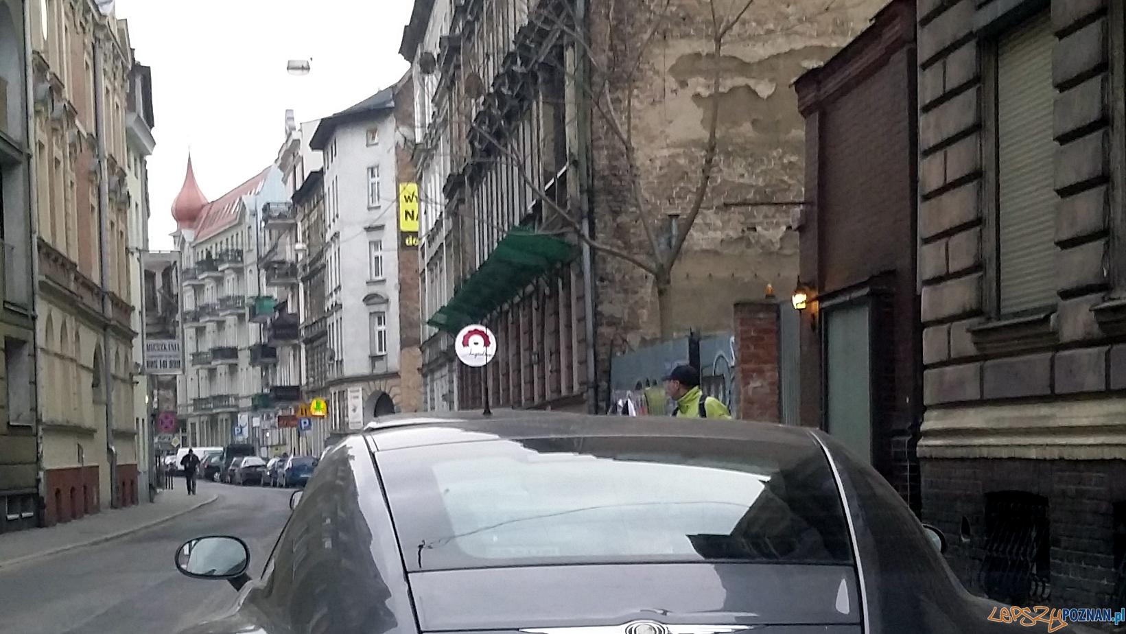 Misja: zakleić Poznań!  Foto: lepszyPOZNAN.pl / tab