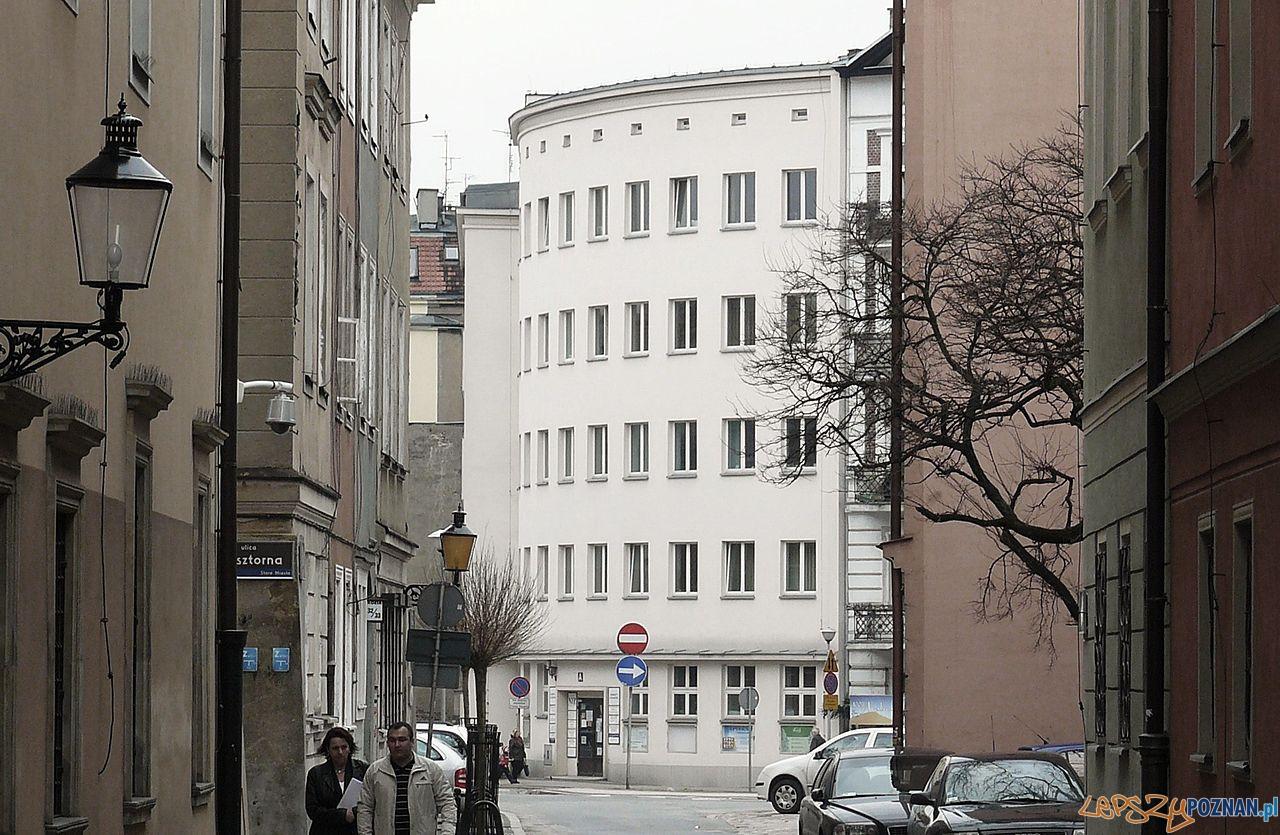 Ośrodek Zdrowia przy Placu Kolegiackim 1937  Foto: MOs810 / wikipedia